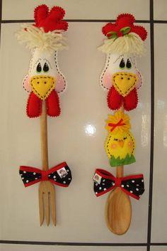 Kit colher/ garfo decorados com galinha, galo e pintinho. Encomenda da Débora de Salvador / BA. Pode ser vendidos separados.