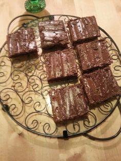 Kasvipohjaiset mokkapalat / Plant-based chocolate brownies