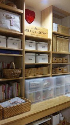 収納 Diy Storage, Storage Spaces, Craft Room Shelves, Muji Home, Furniture Board, Neat And Tidy, Shop Interior Design, Craft Organization, Inspired Homes