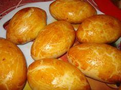 Les PIROJKI ce sont des petits pains farcis C'est un plat de fête russe ; le mot « Pir » signifie « festin », son singulier « Pirojok » et son diminutif « Pirog » (gâteau). En Russie, une maîtresse de maison doit savoir préparer des « Pirojki ». Les Pirojki...