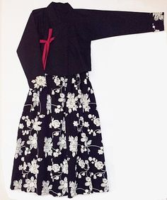 Korea traditional costume Hanbok. 한국 전통의상 한복. (생활한복, 개량한복, 퓨전한복, 현대인 한복) Korean Traditional Dress, Traditional Dresses, Korea Fashion, Asian Fashion, Korea Dress, Modern Hanbok, Korean Outfits, Beautiful Outfits, Fashion Outfits