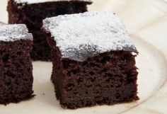 In this video recipe Mrs Barry shows you how to make gluten free brownies made using avocado and coconut flour - super good, with a lovely choc frosting Gluten Free Brownies, Gluten Free Desserts, Gluten Free Recipes, Kefir, Raw Food Recipes, Baking Recipes, Avocado Brownies, Giant Food, Mini Foods