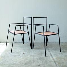 Alpina Möbel von Ries aus dünnen Stahl Formen hergestellt