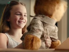 Commercial shows how a child copes with dad's deployment