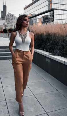 Summer Work Outfits Office, Business Casual Outfits For Work, Classy Summer Outfits, Classy Outfits For Women, Business Outfits Women, Stylish Work Outfits, Work Casual, Clothes For Women, Summer Workout Outfits