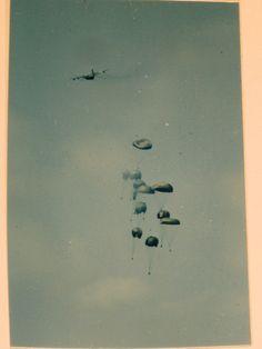 One version of aerial resupply at the Siege of Khe Sanh. 22February1968. Photo courtesy of the National Archives. BRAVO! COMMON MEN, UNCOMMON VALOR @ https://bravotheproject.com/. #BRAVO! #USMC #VietnamWar #KheSanh #NARA