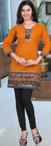 Indian tunic top (also called Kurti) for women made of cotton with sequins work. India Fashion, African Fashion, Boho Fashion, Indian Dresses, Indian Outfits, Beautiful Outfits, Cool Outfits, Indian Tunic Tops, Estilo Hippie