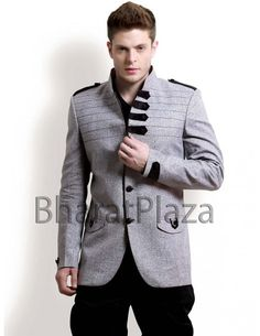 Dashing Look Hunting Coat Item code : SJB5003  http://www.bharatplaza.com/dashing-look-hunting-coat.html