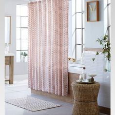 Bathroom Shower Curtain Decorating Ideas Awesome 7 Small Bathroom Decorating Ideas to Create A Spa Like Oasis Decor, Small Bathroom, Small Bathroom Decor, Bathroom Decor, Curtains, Curtain Decor, Coral Shower Curtains, Home Decor, Bathroom Furnishings