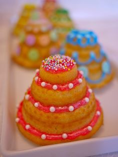 Adorable wedding shower idea---  LET KIDS DECORATE MINI-CAKES?