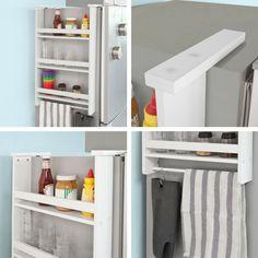 Une étagère avec des ventouses à suspendre au réfrigérateur pour ranger l'épicerie, la vaisselle et suspendre les torchons et les gants de cuisine