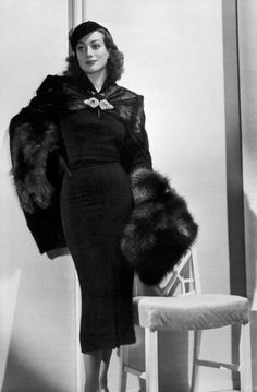 Joan Crawford The late 1930s-early 1940s look