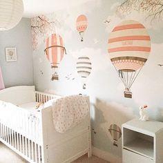 Sweet hot air balloon wallpaper ☁️ lapel de pared por encomenda aqua ☁️ www.littlecloud.pt #nurseries