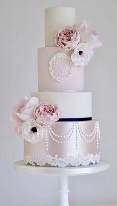 Wedding Cake Inspiration - Cotton & Crumbs - Wedding Fashion And Ideas Pretty Wedding Cakes, Floral Wedding Cakes, Elegant Wedding Cakes, Elegant Cakes, Beautiful Wedding Cakes, Gorgeous Cakes, Wedding Cake Designs, Wedding Cake Toppers, 4 Tier Wedding Cake