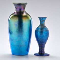 DURAND (ATTR.) Threaded baluster vase together with Tiffany-style blue vase, ca. 1920