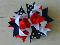 Patriotic Bow from 4 Sisters Boutique - https://www.etsy.com/shop/4SistersBoutique