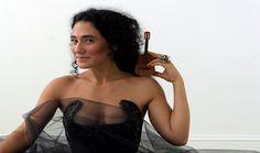 Badi Assad sobe ao palco do Auditório Ibiurapuera Instrumental, World Music, Show, Biography, Off Shoulder Blouse, Camisole Top, Tank Tops, Image, Women