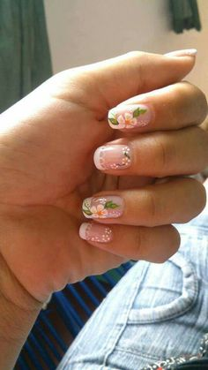 Floral nail art simply suits on short nail fantastically. Thus to induce the floral nail art for your nail then these assortment is merely for you. New Year's Nails, Hair And Nails, Gel Nails, French Nail Designs, Nail Art Designs, Cute Nails, Pretty Nails, Nail Art Photos, Floral Nail Art