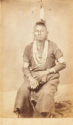 Native American Pictures, Native American Beauty, Native American Tribes, Native American History, Native Americans, American Pride, American Art, Old Pictures, Vintage Pictures