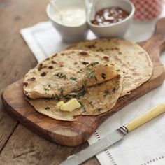 Delicious roti bread stuffed with garam masala and ginger-spiced potatoes, then cooked on a griddle until crisp. National Potato Day, Roti Bread, Spicy Cauliflower, Indian Breakfast, Food Names, Bread And Pastries, Pastry Recipes, Garam Masala, Feel Better