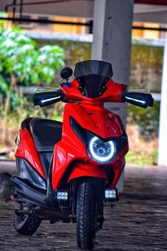 Modified red Honda Dio lights and windshield deo Photo Background Images Hd, Blur Background Photography, Studio Background Images, Nature Photography, Honda Scooters, Honda Bikes, Best Motorbike, Motorcycle Types, Bike Pic