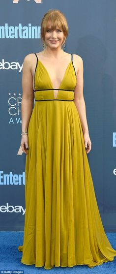 Hello sunshine! Bryce Dallas Howard stunned in a flowing chartreuse Topshop gown...
