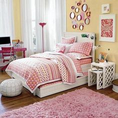 Teen bedroom chairs: white chair wooden for teen girl bedroom hang around. Bedroom Ideas For Teen Girls, Chairs For Bedroom Teen, Cool Kids Bedrooms, Kids Bedroom Sets, Teen Girl Rooms, Teenage Girl Bedrooms, Girl Bedroom Designs, Small Room Bedroom, Bedroom Themes