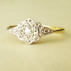 Art Deco Delicate Flower & Leaves Design Diamond Ring, Diamond Platinum and Gold Engagement Ring Size US I would like it better in white gold or silver though Engagement Ring Sizes, Vintage Engagement Rings, Vintage Diamond Rings, Ring Crafts, Art Deco Ring, Art Deco Diamond, Ring Verlobung, Gold Ring, Deco Design