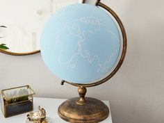 DIY-Anleitung: Globus mit Tafelfarbe dekorieren via DaWanda.com