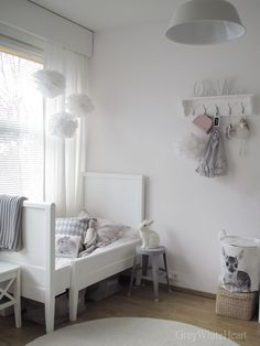 white grey room: