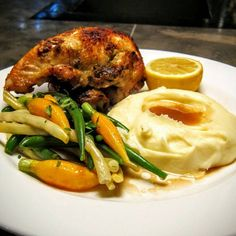 Dinner never tasted so good! A (Mercer Kitchen) classic, Roasted Chicken with Green and Yellow French Beans, Baby Carrots and Mashed Potatoes. Simply delicious! @clbeischer @chefjgv #mercerkitchen #jeangeorges #soho #newyork #nyc #freshseasonalflavors #foodphotography #food #foodie #foodporn #newyorkeat #nyceats #nyeats #dinner #dinnertime #dinnerdate #tellafriend #bringafriend #everyday #yum