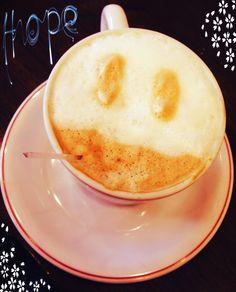 Café com Leite e um Sorriso  Gentilizas que geram Gentilezas.  #café #coffee #BomDia #GoodMorning #CaféComLeite #Sorriso #Sorrir #Acordar de #BomHumor #Dia #Lindo #Segunda-Feira #Smile #Milk #Latte   Padaria Real em Sorocaba - SP - Brasil
