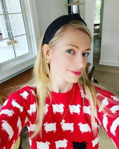 Instagram Rowing Blazers, Female Actresses, Beth Behrs, T Shirts For Women, Blouse, Tops, Instagram, Fashion, Moda