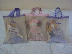 Bonequinhas em suas embalagens personalizadas!!  https://www.facebook.com/saldaterrapatchwork/?ref=ts&fref=ts www.saldaterrapatchwork.blogspot.com face: Renata Deichsel renata.deichsel@gmail.com