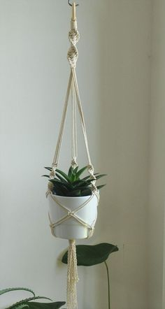 Great 50+ Ideas to Make Macrame Plant Hanger DIY https://homedecormagz.com/50-ideas-to-make-macrame-plant-hanger-diy/