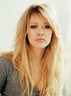 El cabello largo luce hermoso y femenino siempre, así que nunca pasa de moda, sin importar cuánto varíen las tendencias. Muchas chicas desean tener un cabello largo que luzca increíble, y para eso,…