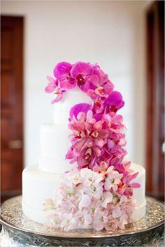 44 Beautiful Bold Tropical Wedding Cakes | HappyWedd.com