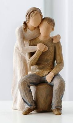 A pure and simple of enduring love You & Me, Willow Tree figurine. The perfect heartfelt gift for a loved one. Willow Tree angels and figurines form a wonderful collection representing qualities and sentiments that make us feel close to others. Willow Tree Engel, Willow Figures, Willow Tree Figuren, Valentine Day Gifts, Valentines, Collectible Figurines, My Collection, Wedding Cake Toppers, You And I