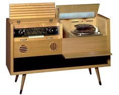 Meuble radio pick-up Grundig, Had this exact one growing up in NYC! Radios, Radio Record Player, Record Players, Vintage Records, Vintage Music, Pick Up, Vintage Stereo Console, Stereo Cabinet, Modernisme