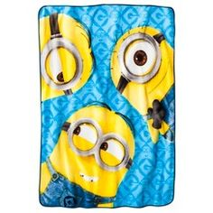 Universal Despicable Me Minions Plush Bed Throw Blanket - 46 x 60 Kids Blankets, Soft Blankets, Textile Patterns, Print Patterns, Despicable Minions, Edgy Teen, Funny Poses, Kids House