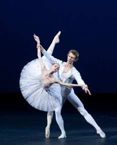 Semyon Chudin and Olga Smirnova in Diamonds. Photo (c) Elena Fetisova /Bolshoi Theatre.