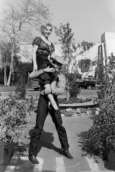 Marilyn Monroe and Don Murray on the set of Bus Stop (1956)