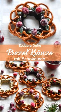 Pretzel wreaths with chocolate as a sweet and salty snack- Brezel Kränze mit Schokolade als süß-salzige Nascherei Pretzel wreaths with chocolate - Xmas Food, Christmas Baking, Brownies Cacao, Dessert Mousse, Salty Snacks, Homemade Chocolate, Chocolate Chocolate, Sweet And Salty, Plated Desserts
