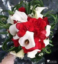 Ramo de novia de Judy | Una boda en blanco, negro y rojo
