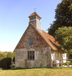 Old Country Churches, Old Churches, Earthship, Anglo Saxon, English Countryside, Place Of Worship, British Isles, Sheds, Great Britain