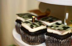 Minecraft-Wedding-Cupcakes-Design