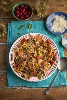 pasta with tomato, spinach and mozzarella | Drizzle and Dip