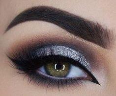 Eye Makeup Tips.Smokey Eye Makeup Tips - For a Catchy and Impressive Look Makeup Goals, Love Makeup, Makeup Inspo, Makeup Inspiration, Beauty Makeup, Makeup For Grey Dress, Makeup Ideas, Gorgeous Makeup, Ball Makeup