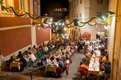 Lisbon's Group-Friendly Restaurants Encourage Dining in Large Numbers - Cafe Buenos Aires, Lisboa, Portugal