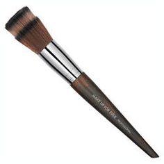 Pinceau #122 - Pinceau teint de Make Up For Ever sur Sephora.fr Parfumerie en ligne
